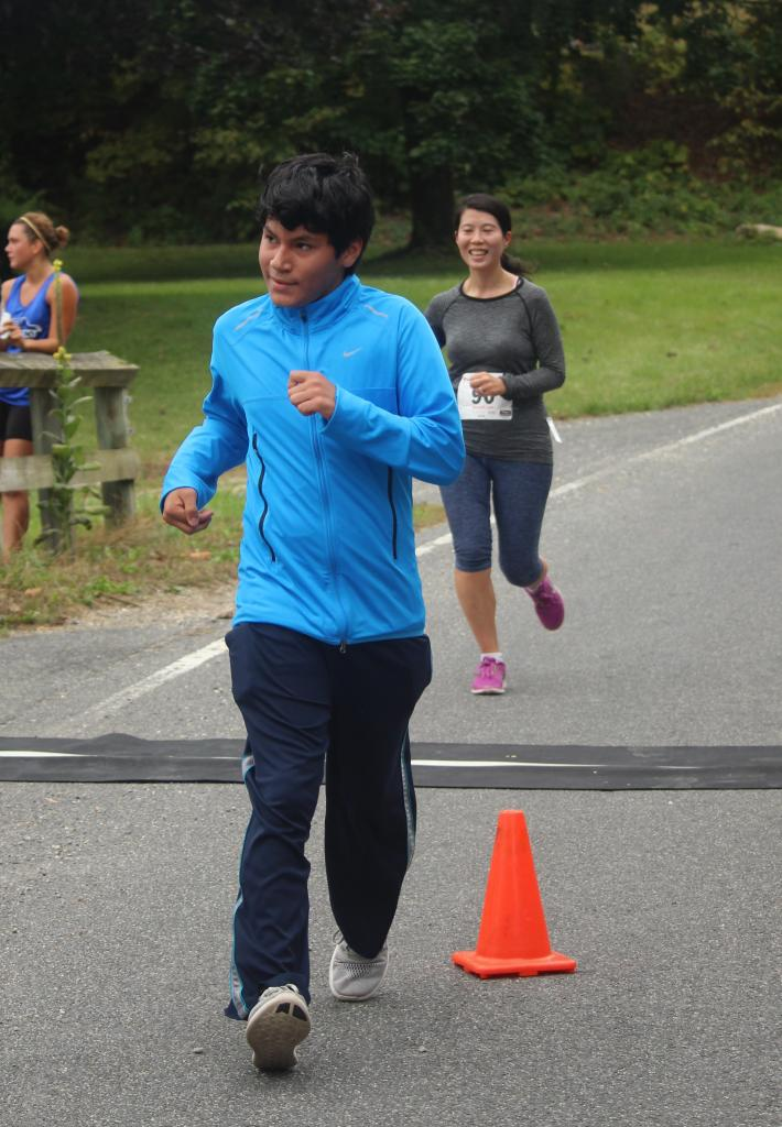 2016 Run for the Hills 10K Finish