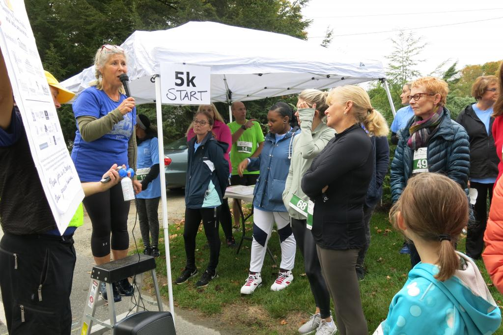 2019 RftH 5K Christine thanks runners, walkers, teams and sponsors (T.Mack)
